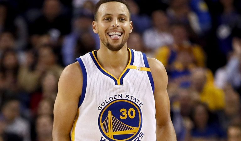 VIDEO | Stephen Curry revive en el tercer cuarto para liderar la victoria de los Warriors